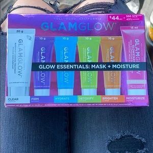 Glam glow mask set ✨